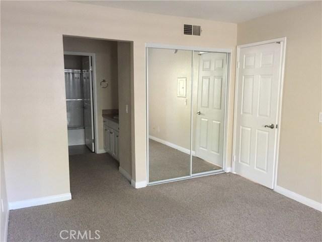 5535 Canoga Avenue, Woodland Hills CA: http://media.crmls.org/mediascn/197ccd49-6017-43c1-8e7d-59e6dbeaf53f.jpg
