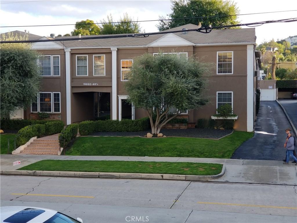 Photo of 15040 DICKENS STREET, Sherman Oaks, CA 91403