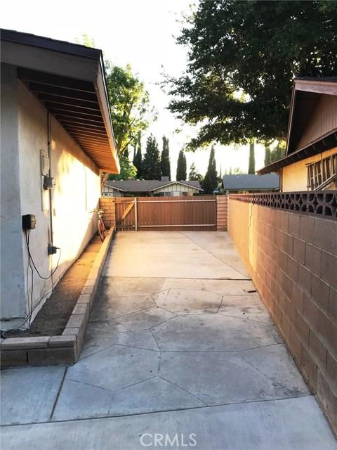 44116 Galion Avenue, Lancaster CA: http://media.crmls.org/mediascn/19d14b76-cda8-4779-83b0-0d19726e759a.jpg