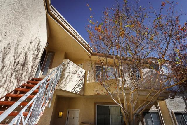 Property for sale at 23921 Del Monte Drive #32, Valencia,  CA 91355