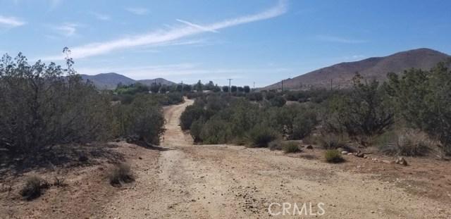 33062 Crown Valley Road, Acton CA: http://media.crmls.org/mediascn/1a469976-12fc-4756-b639-8798c4b91a74.jpg