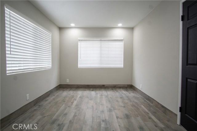 12321 Luna Place, Granada Hills CA: http://media.crmls.org/mediascn/1a48e50c-4231-4aec-92a1-8ac1948c5f17.jpg