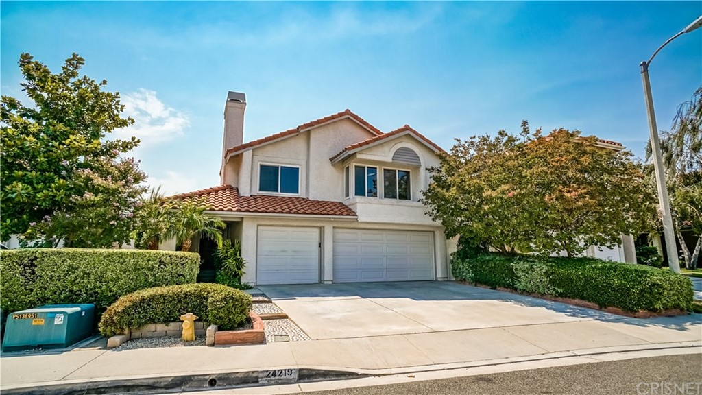Property for sale at 24219 Bella Court, Newhall,  CA 91321
