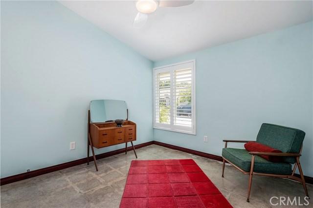 17460 Tuscan Drive, Granada Hills CA: http://media.crmls.org/mediascn/1af55758-4aca-425d-a82c-36f703485715.jpg