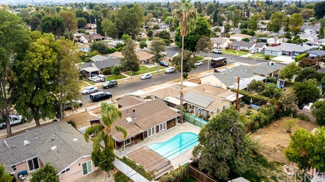 17611 Runnymede Street Lake Balboa, CA 91406 - MLS #: SR18267950