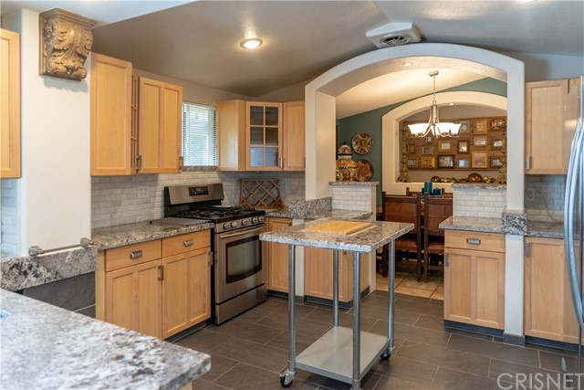 17219 Warrington Drive, Granada Hills CA: http://media.crmls.org/mediascn/1b16d564-dfae-42be-b978-007bb9c28b94.jpg