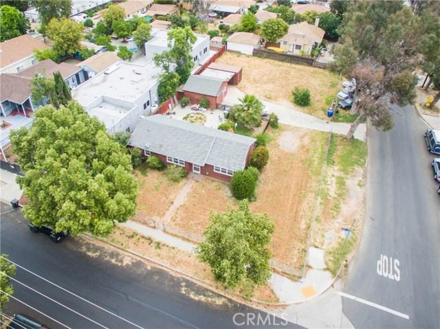 7006 Amigo, Reseda CA: http://media.crmls.org/mediascn/1b579f1d-a935-4f99-be95-0aebc170e0f9.jpg