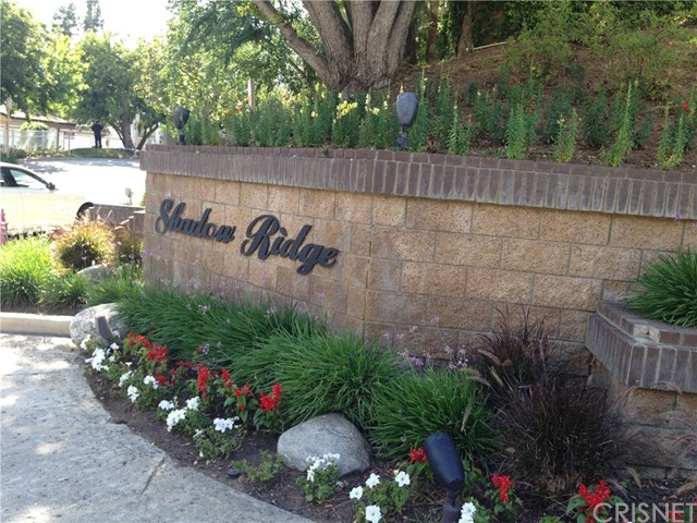 Townhouse for Sale at 5824 Oak Bend Lane Oak Park, California 91377 United States