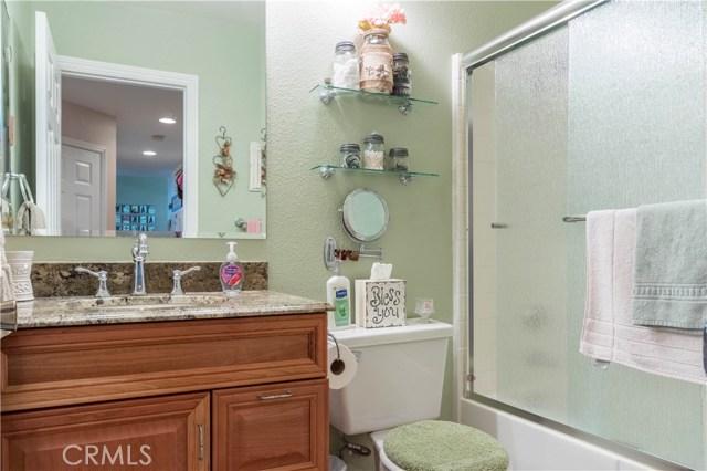 3602 Saturn Avenue, Palmdale CA: http://media.crmls.org/mediascn/1bd99525-3f0d-42f3-aa26-c729f8fa4585.jpg