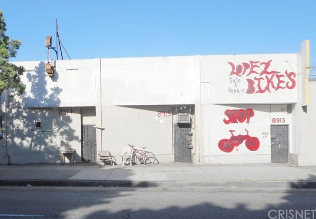 8915 S Vermont Avenue, Los Angeles, CA 90044