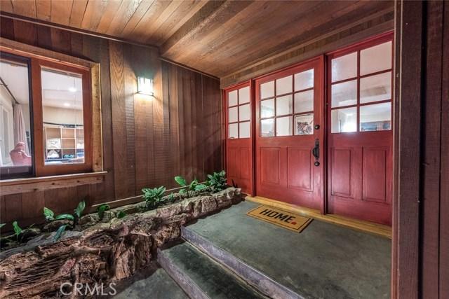 3931 Kingswood Road, Sherman Oaks CA: http://media.crmls.org/mediascn/1c36740a-ae03-4f7b-9411-241d1dfccbc0.jpg