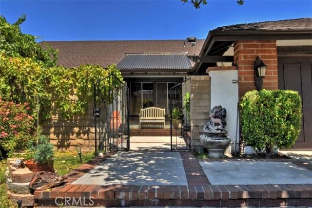 25670 Yucca Valley Road, Valencia CA: http://media.crmls.org/mediascn/1cb7dea4-65b8-4b6f-9ed6-4a12f91d4252.jpg