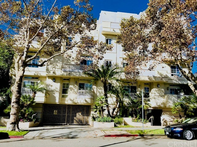 Property for sale at 125 South Rexford Drive #201, Beverly Hills,  CA 90212