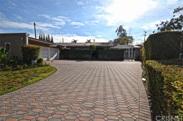 Single Family Home for Sale at 4148 Country Club Drive Lakewood, California 90712 United States