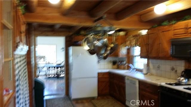 1901 Bernina Drive, Pine Mtn Club CA: http://media.crmls.org/mediascn/1d88a392-d7e3-4985-bf39-e8ac13373f92.jpg