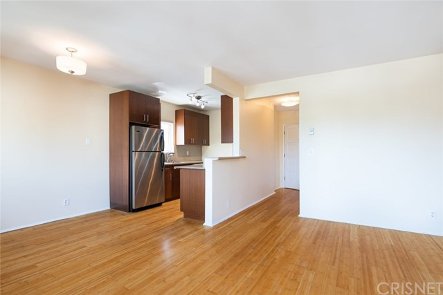Detail Gallery Image 1 of 25 For 3115 6th St #4,  Santa Monica,  CA 90405 - 2 Beds | 2 Baths