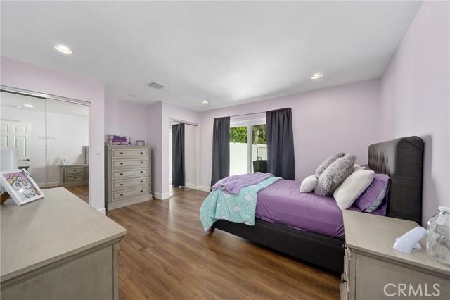 6140 Fenwood Avenue, Woodland Hills CA: http://media.crmls.org/mediascn/1dc025ad-c076-4826-abf6-92cc7f0b5adc.jpg