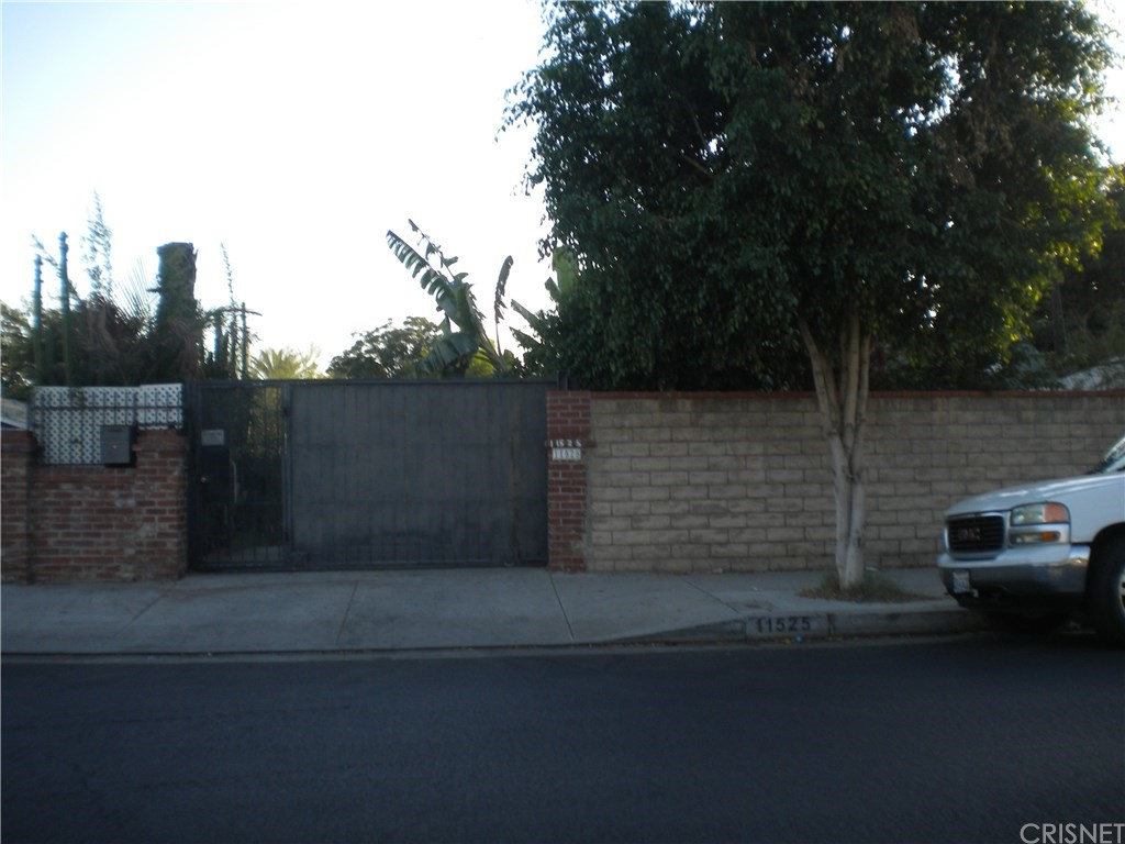 Photo of 11525 DRONFIELD AVENUE, Pacoima, CA 91331