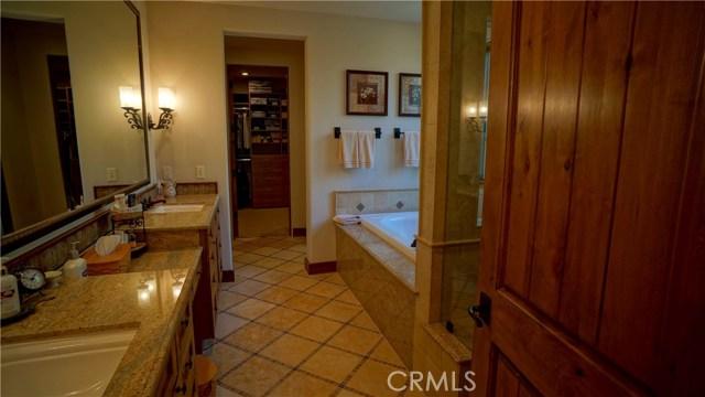 25854 Shady Oak Lane, Valencia CA: http://media.crmls.org/mediascn/1e41726f-1641-4009-8c94-68d051549e5d.jpg