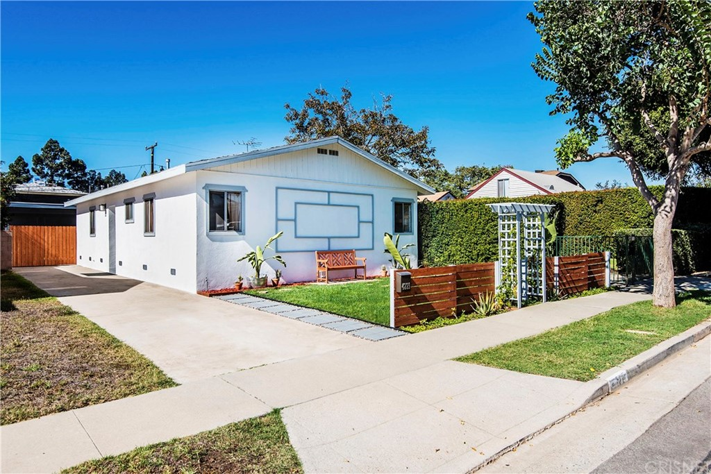 Property for sale at 4221 Mildred Avenue, Culver City,  CA 90066