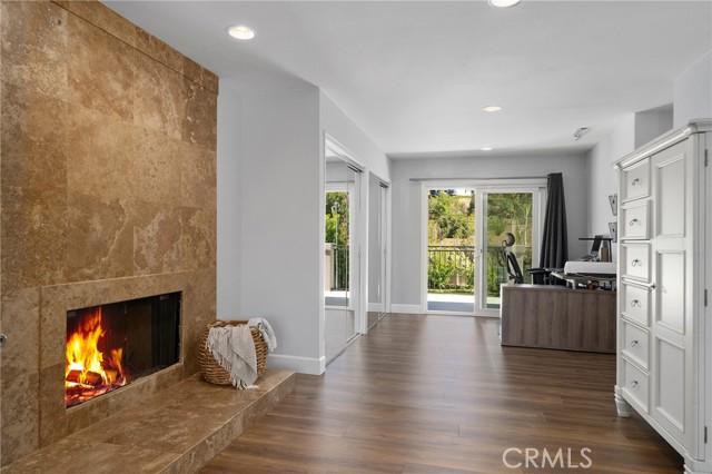 6140 Fenwood Avenue, Woodland Hills CA: http://media.crmls.org/mediascn/1e5dc999-c917-43d6-9ca1-35d497c58d88.jpg
