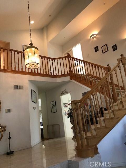 17806 Arvida Drive, Granada Hills CA: http://media.crmls.org/mediascn/1e82db95-a56e-4f41-9e03-27235655a199.jpg