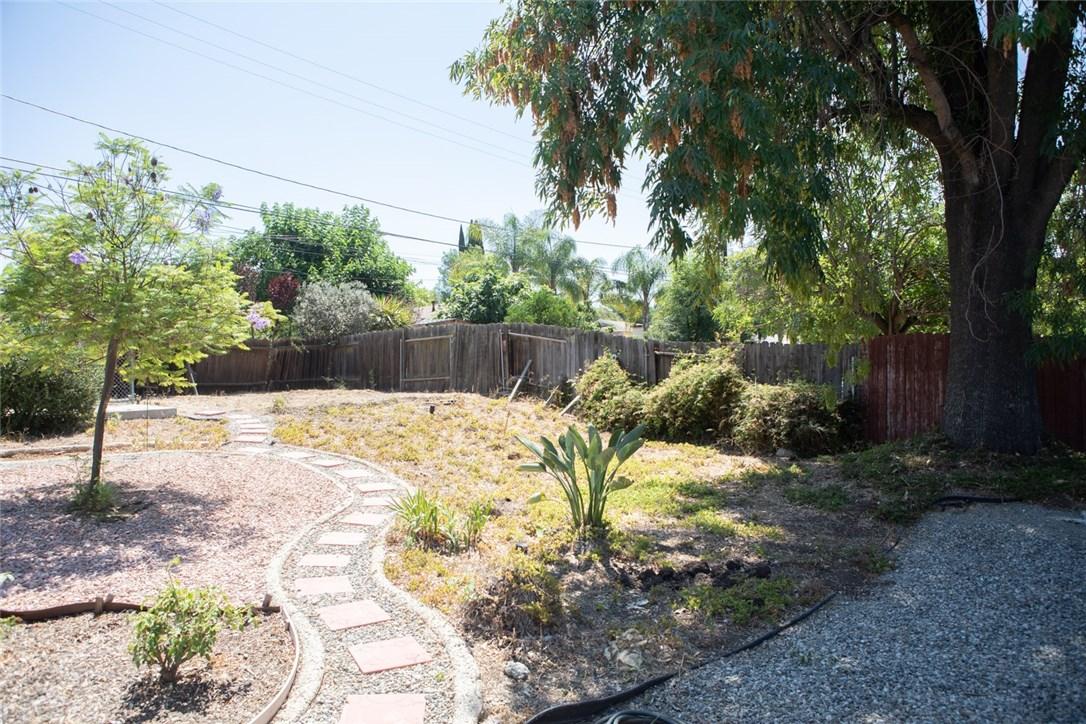 2526 Avenida De Las Plantas, Thousand Oaks CA: http://media.crmls.org/mediascn/1e98367d-c468-46d1-8cec-4a3681228778.jpg