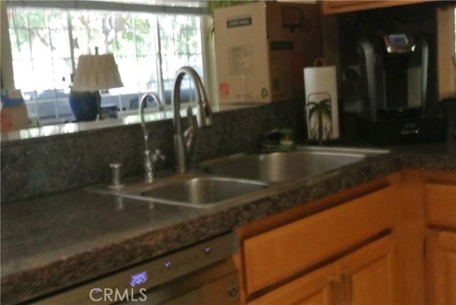 2011 Carson Mesa Road, Acton CA: http://media.crmls.org/mediascn/1ea97344-1181-452f-925b-f03c053df006.jpg