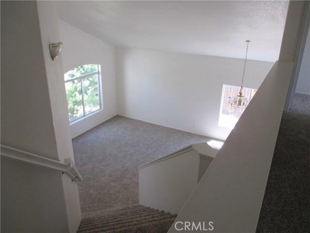 6752 Teasdale Street, Lancaster CA: http://media.crmls.org/mediascn/1ec98800-3397-4f84-bdec-05d8fe39ecb1.jpg