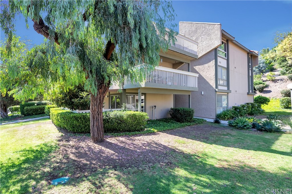 Photo of 286 OAKLEAF DRIVE #15, Thousand Oaks, CA 91360