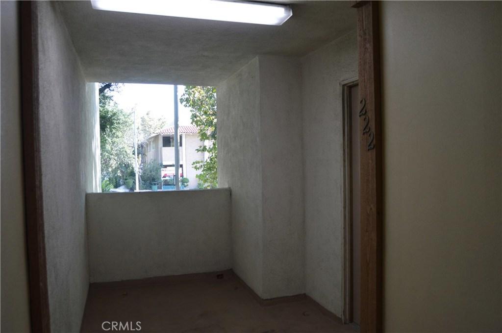 23515 LYONS Avenue 222, Valencia, CA 91355