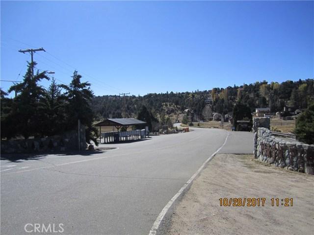 1305 Pinetree Drive, Frazier Park CA: http://media.crmls.org/mediascn/1f05422a-b667-46e3-8e9a-e4913bd15fb8.jpg
