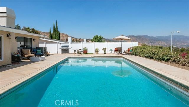 17460 Tuscan Drive, Granada Hills CA: http://media.crmls.org/mediascn/1f0f074d-27c4-48cf-8d6d-570ebc858ee7.jpg
