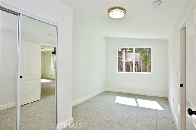 8660 Sharp Avenue, Sun Valley CA: http://media.crmls.org/mediascn/1f1791ba-3f65-492d-9397-f2c9ae01b18d.jpg