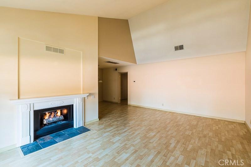 31550 AGOURA Road 8, Westlake Village, CA 91361