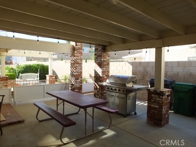 41428 Sandalwood Place, Lancaster CA: http://media.crmls.org/mediascn/1f64a7dd-7c76-4bb2-bf3a-f0a38d26c318.jpg