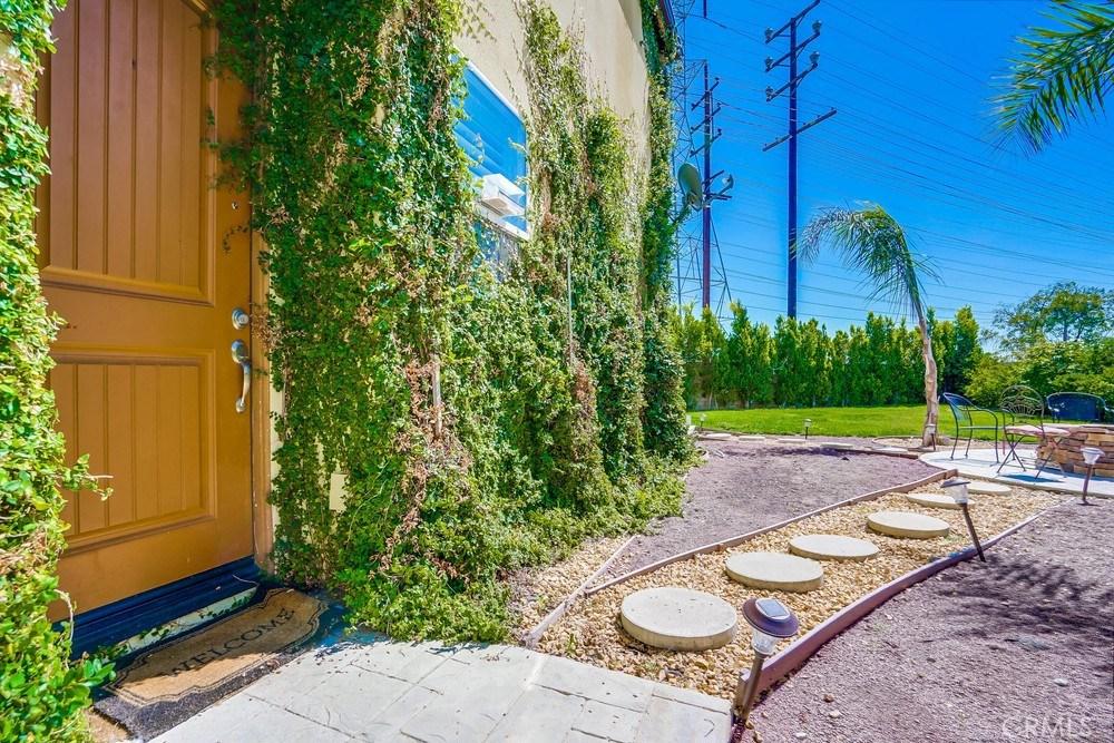 Photo of 11143 LAUGHLIN LANE, North Hollywood, CA 91606