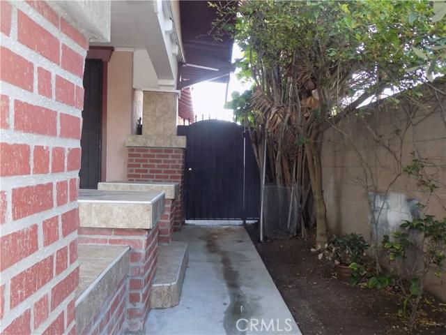 1917 W Jefferson Boulevard, Los Angeles CA: http://media.crmls.org/mediascn/1f9e990e-f482-4ffc-b22a-c83270c03c82.jpg