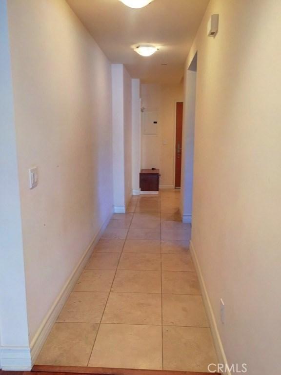11692 Darlington Avenue, Los Angeles CA: http://media.crmls.org/mediascn/1fc41cd6-4e32-4c70-b464-29dba82256e0.jpg