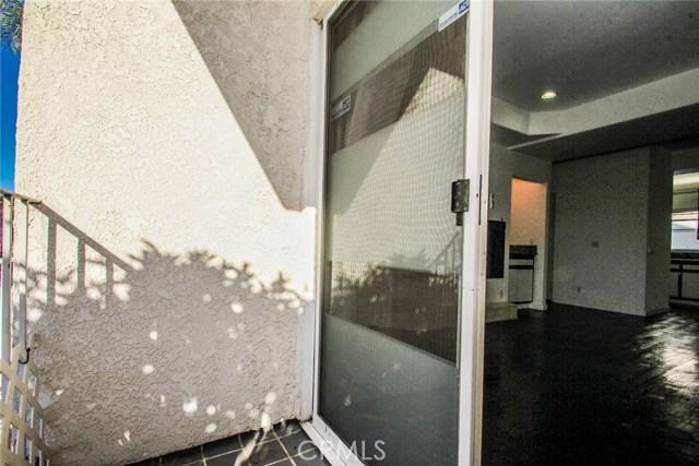 9076 Willis Avenue, Panorama City CA: http://media.crmls.org/mediascn/1fc5ec23-a49f-4dd5-9b45-d950b5debe99.jpg