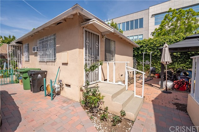 1423 N New Hampshire Av, Los Angeles, CA 90027 Photo 15