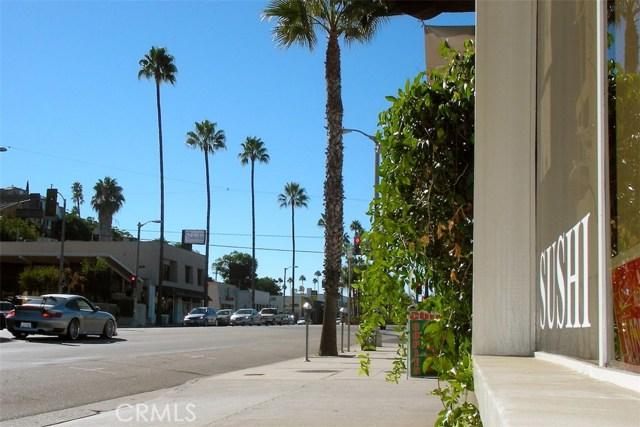 12045 Guerin Street, Studio City CA: http://media.crmls.org/mediascn/2009c6d7-099b-49d5-b035-aecaa2112329.jpg
