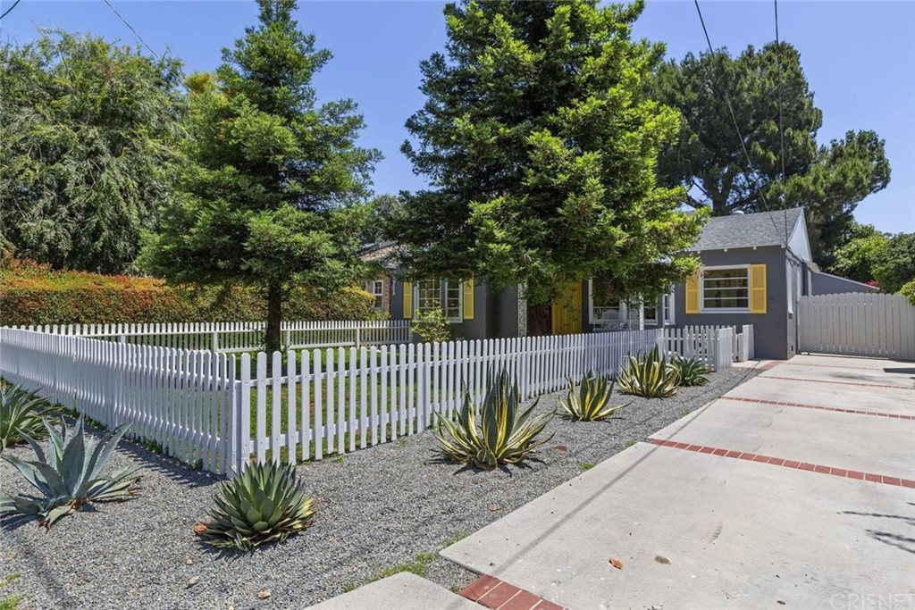 Photo of 5320 IRVINE AVENUE, North Hollywood, CA 91601