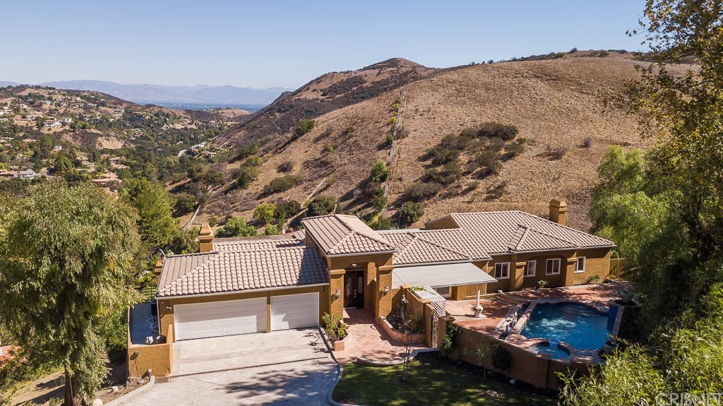 Photo of 40 SADDLEBOW ROAD, Bell Canyon, CA 91307