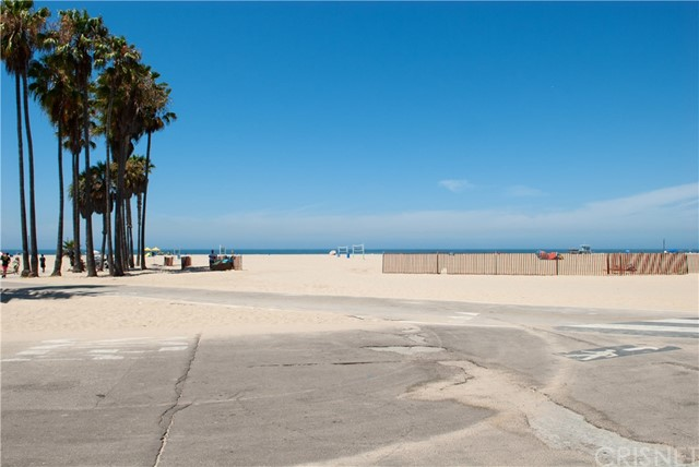 22 E Navy St, Santa Monica, CA 90291 Photo 18