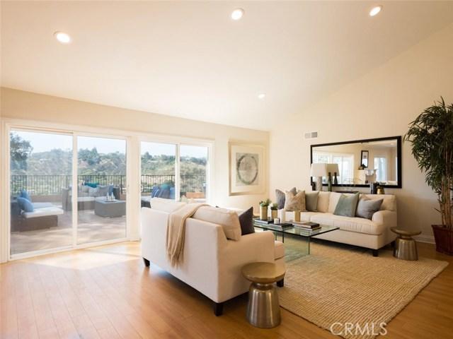 15045 Sherview Place, Sherman Oaks CA: http://media.crmls.org/mediascn/209f9e42-07ae-4437-832b-d469a72eda89.jpg