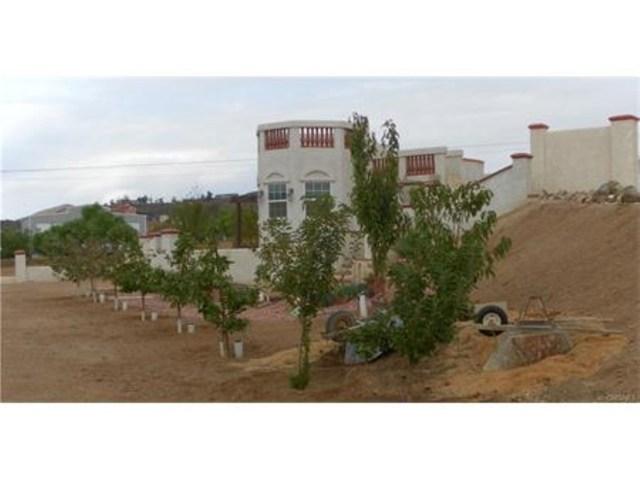 2473 Via Clarita, Acton CA: http://media.crmls.org/mediascn/20da5c71-f10c-4be3-b2d9-869b842db484.jpg