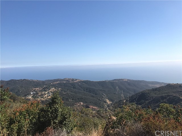 2151 S Rockview Terrace, Malibu CA: http://media.crmls.org/mediascn/20f8569d-1ae2-47bd-932d-8d7e52a4f650.jpg