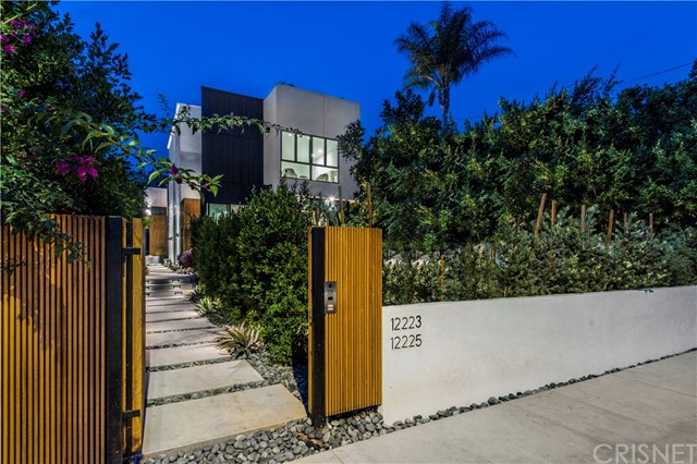 Detail Gallery Image 1 of 40 For 12223 Gorham Ave, Brentwood Los Angeles,  CA 90049 - 4 Beds | 4/1 Baths