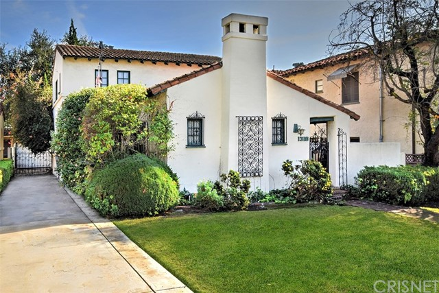 Single Family Home for Sale at 1316 Carmen Drive 1316 Carmen Drive Glendale, California 91207 United States